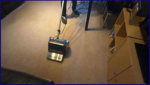 Carpet in Milton Keynes being mechanical agitated